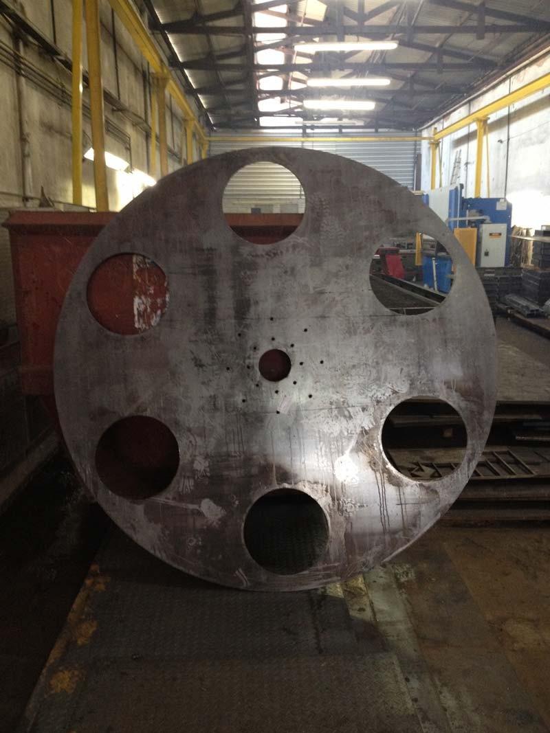 Corte e Dobra de Chapa de Alumínio